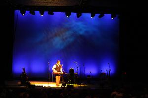Robe Shines on Alison Krauss Tour