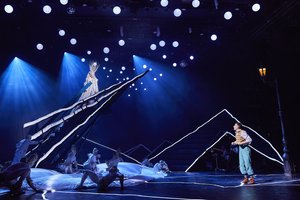 Robe T1's help define Narnia for The Lion, the Witch and the Wardrobe