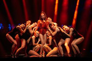 Robe Adds Magic to Severina Tour